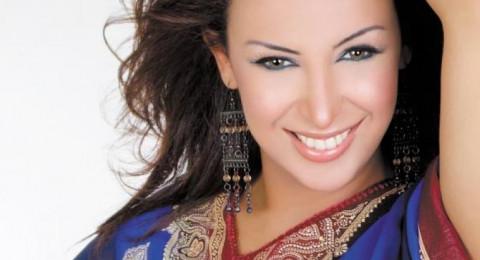 أنباء عن طلاق المطربة شاهيناز بعد خلعها للحجاب