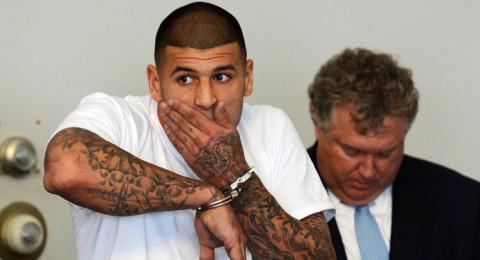 انتحار اللاعب آرون هيرنانديز في السجن