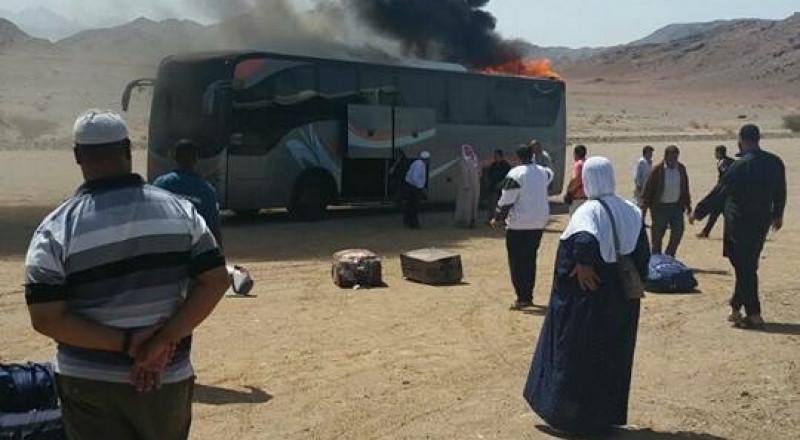 حريق في حافلة معتمري جسر الزرقاء بالسعودية، والجميع بخير