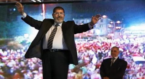 محمد مرسي بيرقص في ميدان التحرير