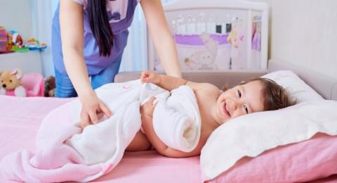 ما هي أهمية نوم الأولاد عند الثامنة مساءًا؟