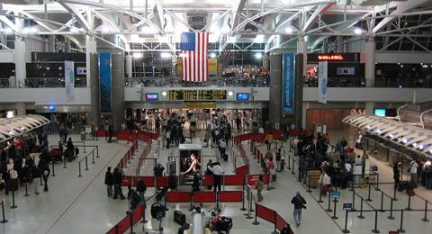 الولايات المتحدة تشدد إجراءاتها الأمنية على الرحلات الجوية