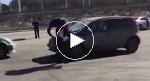 فيديو مضحك لسائق تعيس تشاجر مع هذه المرأة الخارقة