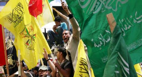 حماس تتهم عباس بالمماطلة بالمصالحة لتمرير مشروع ترامب .. وفتح ترد