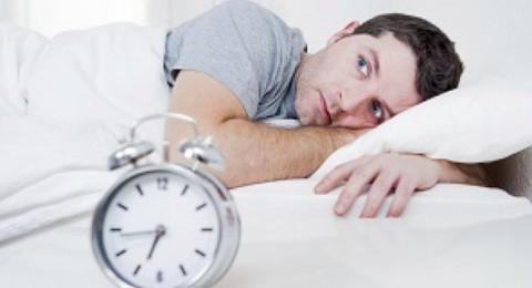 دراسة: قلة النوم تزيد من احتمال الوفاة المبكرة