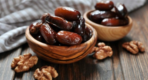 لماذا فضل الرسول الإفطار على التمر؟