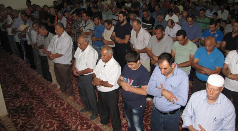 جامع عمر المختار يافة الناصرة يتزين بأول تراويح ليالي رمضان