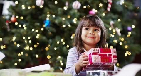 5 نشاطات مقترحة لأوقات جميلة مع طفلك في عيد الكريسماس