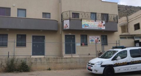 كفر مندا : الشرطة تداهم منزل تم تحويله نادي رياضي دون ترخيص