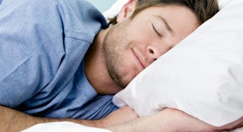 خطير جدًا .. هل تجد لعابًا على وسادتك في الصباح؟