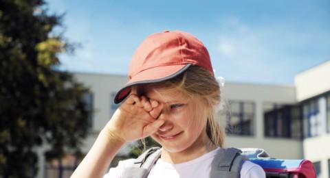 4 إرشادات للتغلب على بكاء الطفل في بداية عهده بالمدرسة