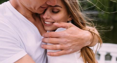 هل ينتهي الحب بعد الزواج ويتحوّل إلى صداقة؟